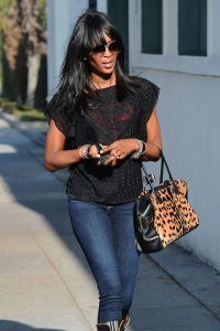 naomi-campbell-street-style-out-in-beverly-hills-february-2015_1
